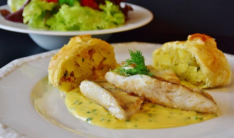 Photographie d'un plat de poisson